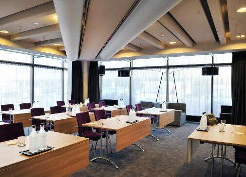 De vergaderruimte van het leonardo hotel in Amsterdam west